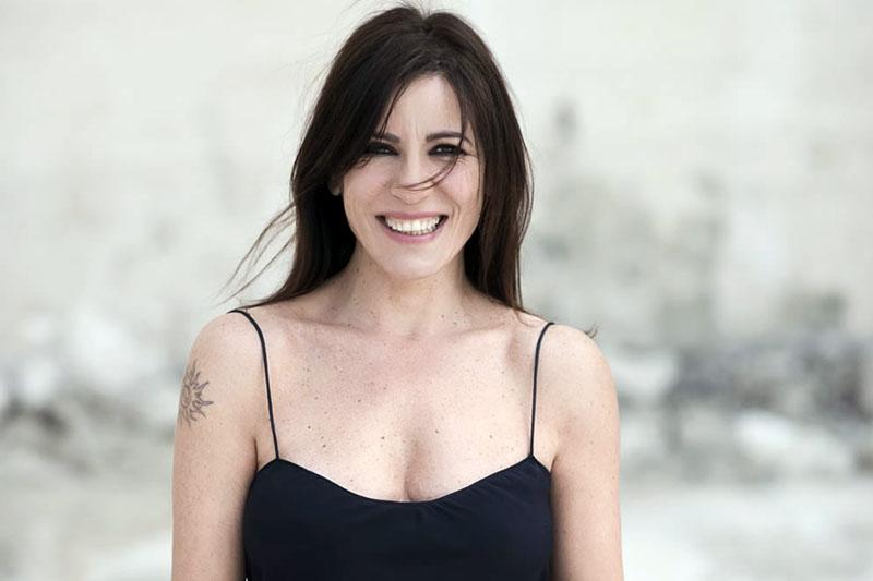 """Paola Turci: Il nuovo singolo """"Questa non è una canzone"""""""