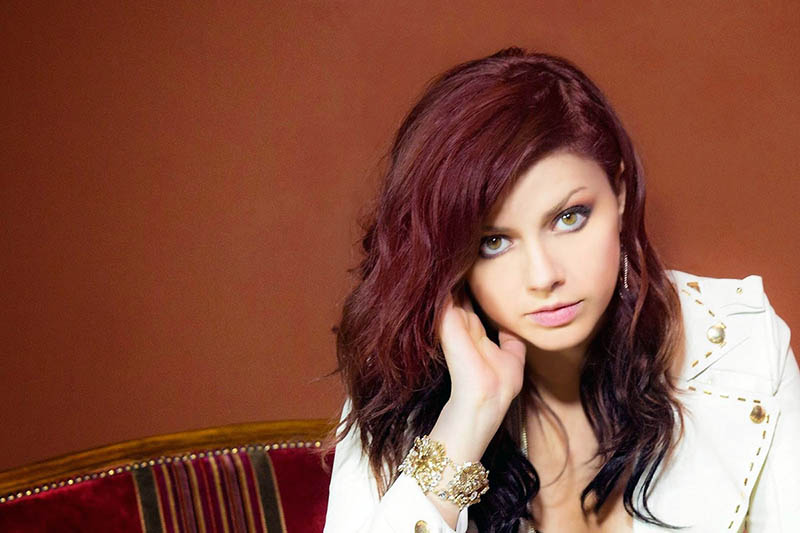 "Annalisa è online con il video di ""Splende"""