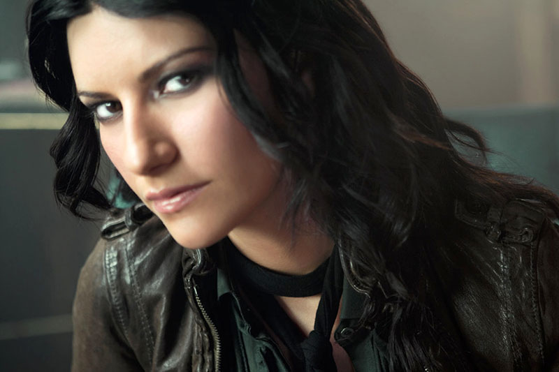 """Laura Pausini: arriva l'attesissimo album """"Simili"""""""