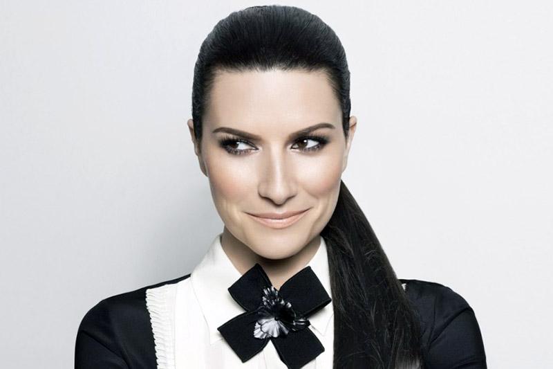 "Laura Pausini: online il video di ""Simili"""