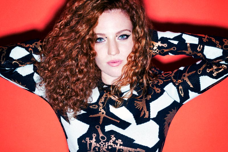 """Ain't Got Far To Go"" il nuovo video di Jess Glynne"