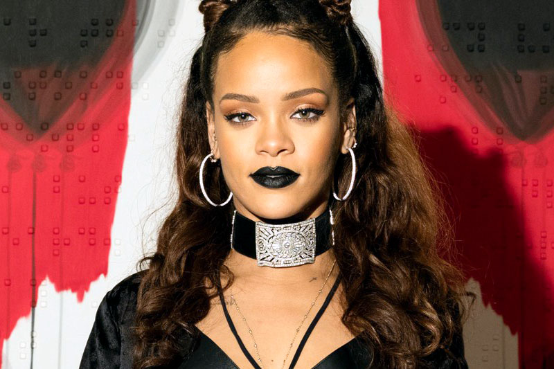 """Rihanna: online il nuovo video """"Work"""" ft. Drake"""