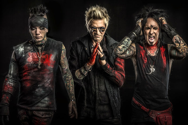 """I Sixx:A.M. annunciano il nuovo album """"Prayers For The Damned"""""""
