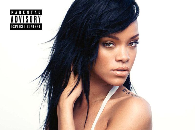 """Rihanna tra soldi, sesso e pistole nel video di """"Needed me"""""""