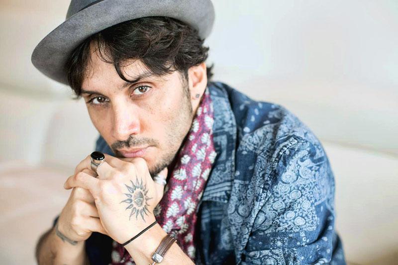 """Online """"Sono Anni Che Ti Aspetto"""" il nuovo video di Fabrizio Moro"""