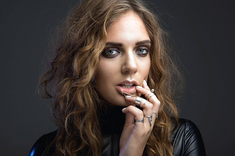 "Tove Lo: online il video del nuovo singolo ""Cool Girl"""
