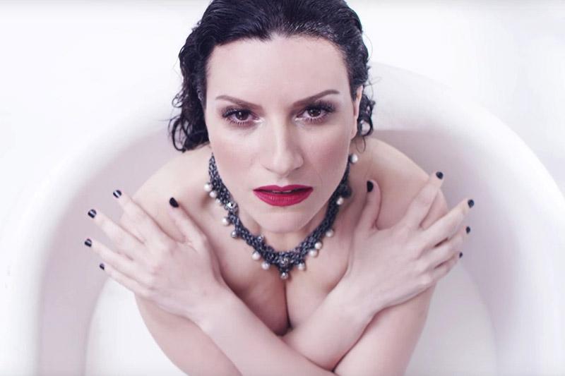"""Laura Pausini pubblica il video di """"Ho Creduto A Me"""""""
