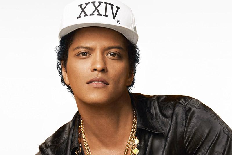 """Bruno Mars ritorna con il video del nuovo singolo """"24K Magic"""""""