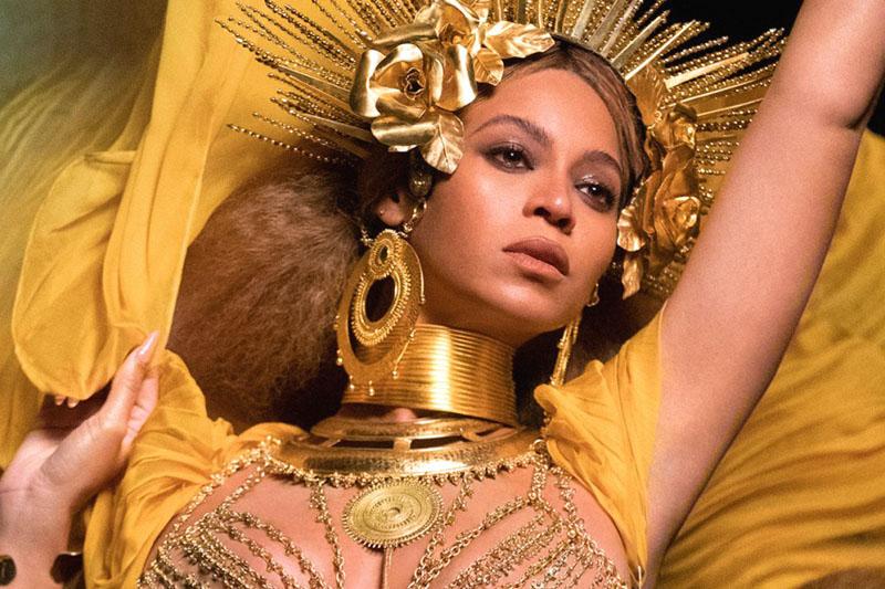 Beyoncé: doppio video e doppio Grammy