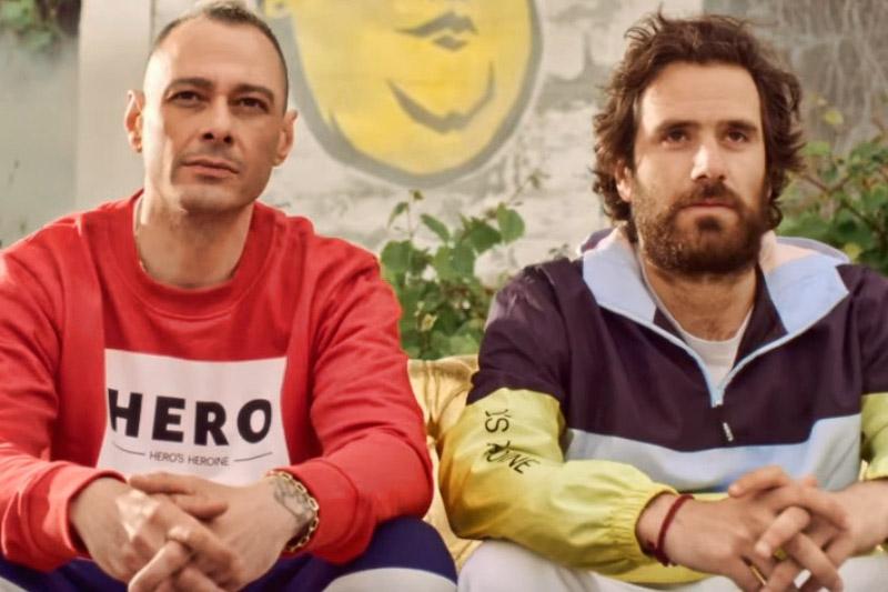 """Fabri Fibra e Thegiornalisti nel video di """"Pamplona"""""""