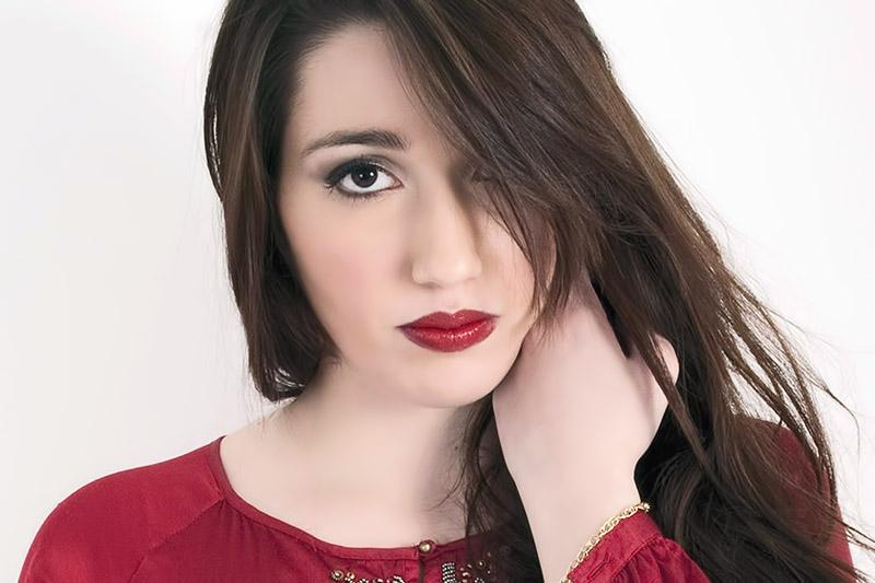 """Ylenia Lucisano: online il video ufficiale di """"Solo Un Bacio"""""""