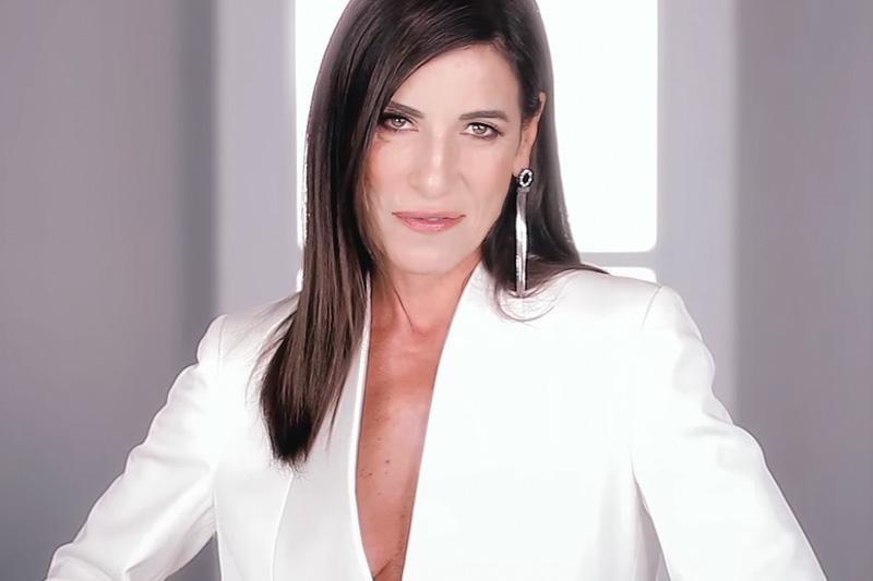"""Paola Turci online nel video di """"Un'Emozione Da Poco"""""""