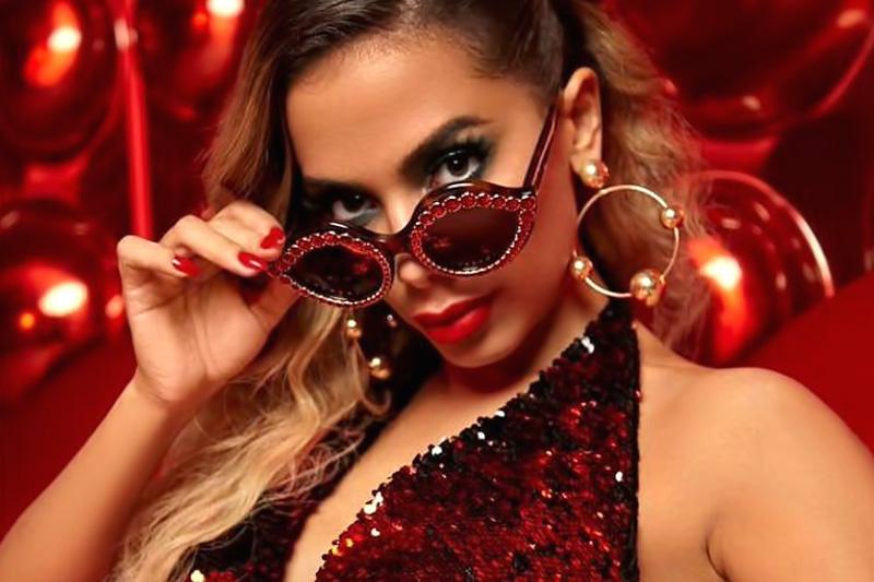 "Anitta online con il nuovo video ""Indecente"""