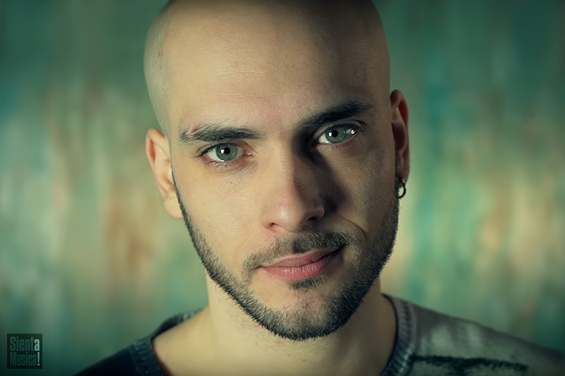 """Tony Maiello online con il nuovo video """"Spettacolo"""""""