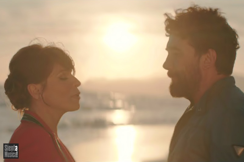 "Tiromancino e Alessandra Amoroso nel nuovo video di ""Due Destini"" (18th)"
