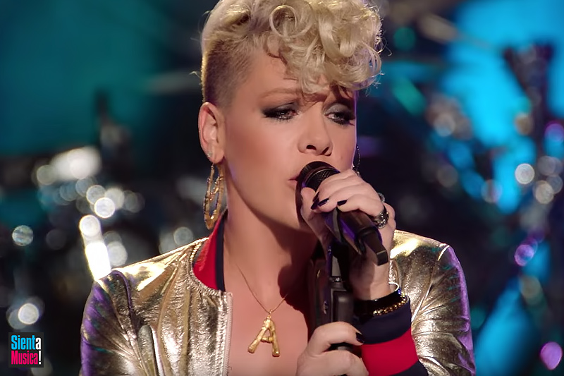 """P!nk: online il video ufficiale di """"Whatever You Want"""""""