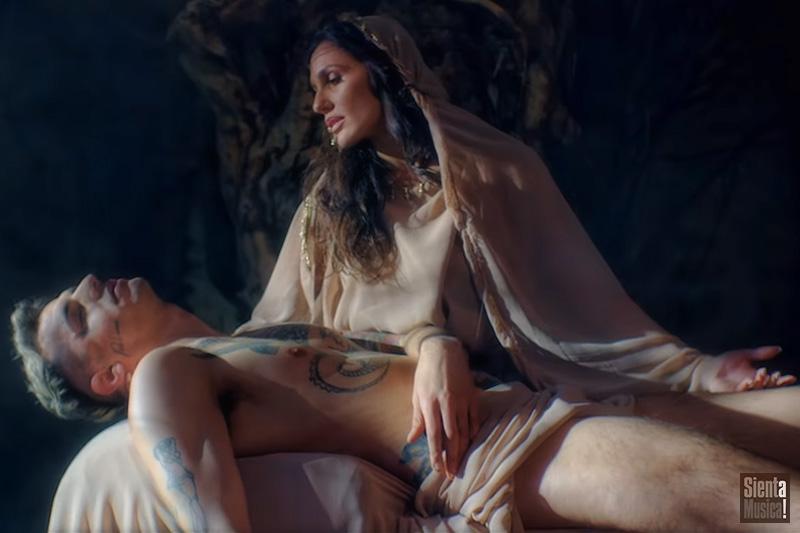 """Achille Lauro: fuori il video di """"Me Ne Frego"""""""