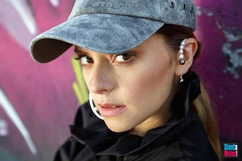 """Francesca Michielin è online con il video di """"Monolocale"""" ft. Fabri Fibra"""