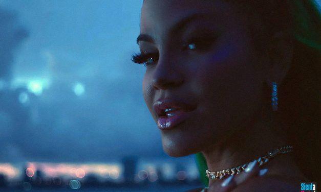 """Natti Natasha online con il video di """"Noches En Miami"""""""